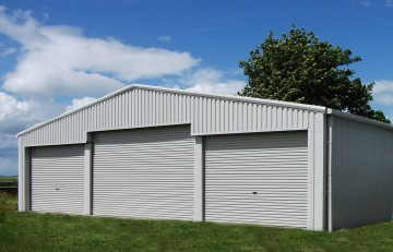 MiracleLite aircraft hangar with removable mullions