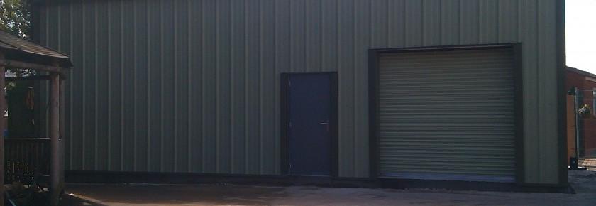 Golf club storage building