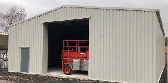 Low Cost Steel Building with Single Skin Cladding